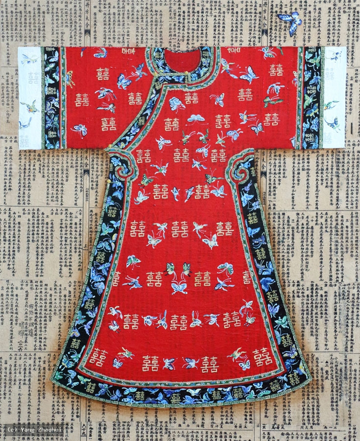 Artist Yang Zhaohui, Yang Zhaohui artwork, China contemporary art, original artwork, original painting, Chinese robe, still life : Chinese robe No.43