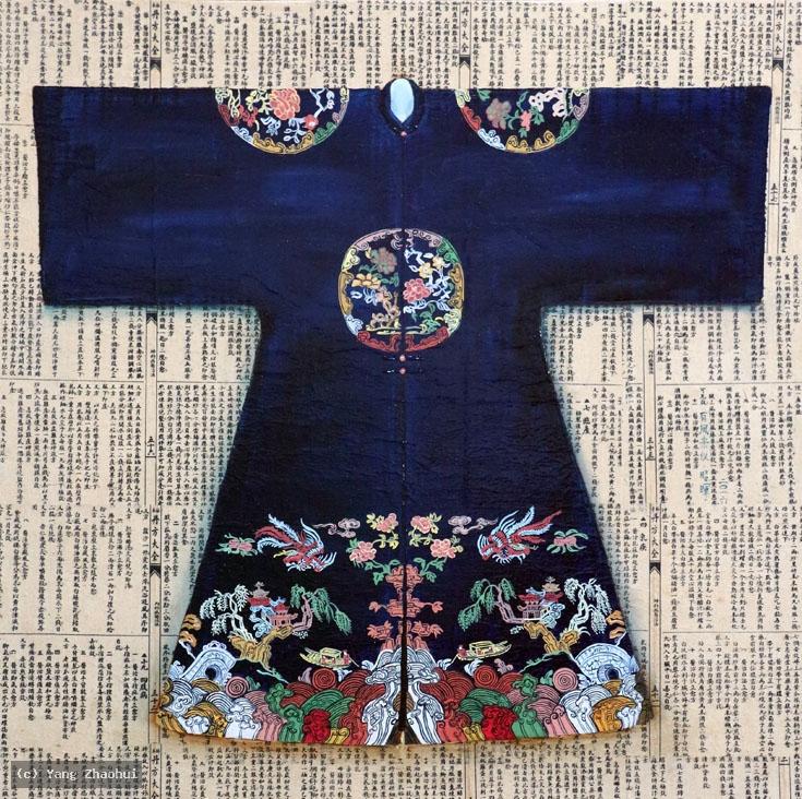 Artist Yang Zhaohui, Yang Zhaohui artwork, China contemporary art, original artwork, original painting, Chinese robe, still life : Chinese robe No.45